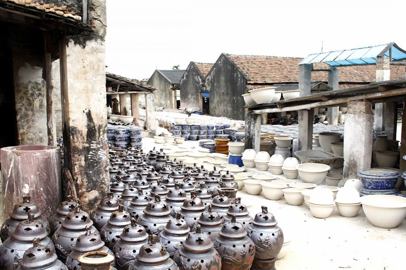 Bat Trang Ceramic Village - Dong Ky Carpentry Village Tour full day